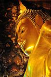 the golden lying buddha in Wat Pho