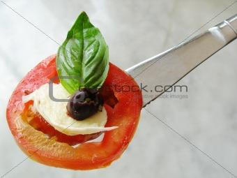 tomato mozzarella olive salad