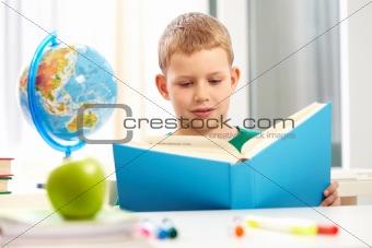 Reading kid