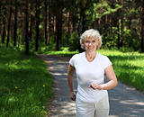 Elderly woman likes to run in the park