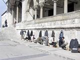 Istanbul - Washing feet before mosque