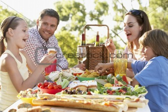 Al Fresco,Eating,Family,Food,Happy,Smiling,Man,Woman,Boy,Girl,Sa