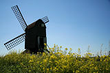 pitstone windmill english countryside blue sky