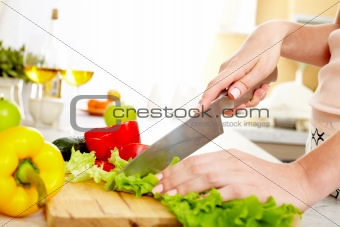 Cutting lettuce