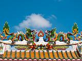 Dragon sculpture on roof of temple