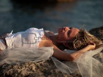 pretty woman wearing white clothes