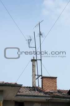 Antennas mounted on the roof