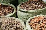 traditional herbs in vietnam market