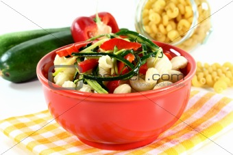 Pasta with red pepper zucchini vegetable