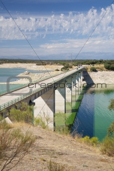 bridge over Valdecanas reservoir