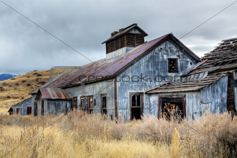 abandoned mining buildings