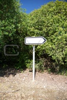 right arrow empty sign