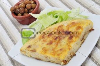 tortilla de patatas and olives