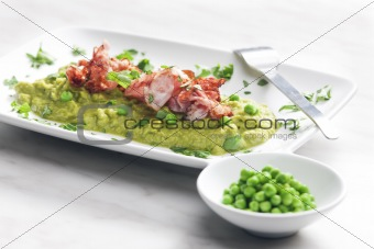 mashed peas with fried pancetta