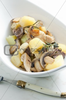 potatoes with chicken meat and