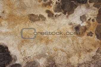 old and cracked plaster
