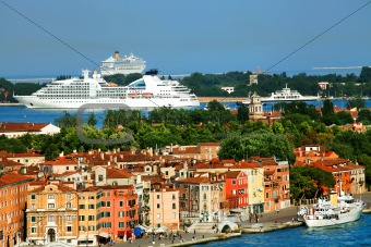 Buildings and ships in Venice
