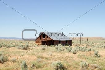 Abandoned Barn in Farmland