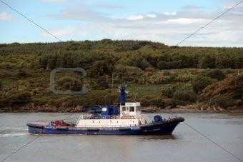 celtic rebel river shannon tug boat sailing