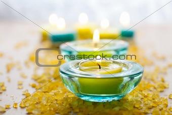 Candles with bath salt