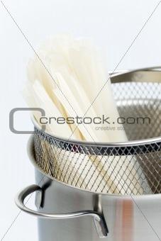 rice noodles in pot