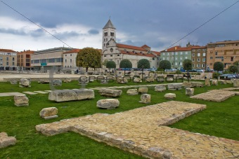 Green square in Zadar - Forum, roman remains