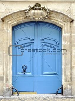 A blue door in Paris