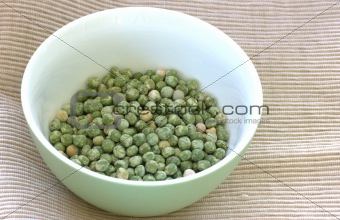 Green pea in bowl