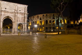 Night view of the Arch of Constantine and Colosseum, Rome.