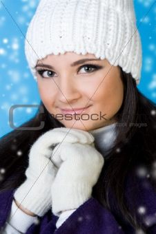 beautiful woman in winter fashion.