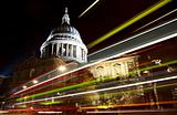 St Paul&#39;s cathedral at night