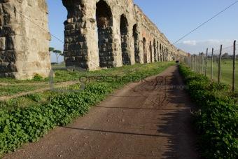 Aqueduct  (Aqua Claudia) in the Parco degli Acquedotti (Rome).
