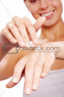 Applying handcream