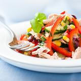 Mixed vegetable salad with tuna