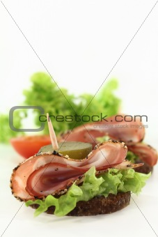 canape mit bacon