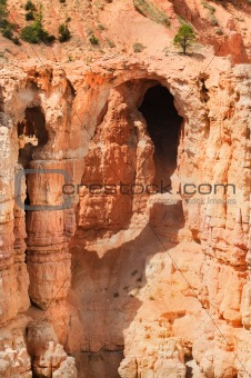 cave in Bryce Canyon