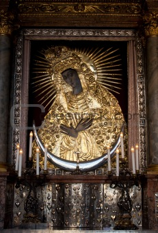Holy mother Mary icon at Gate of Down, Vilnius