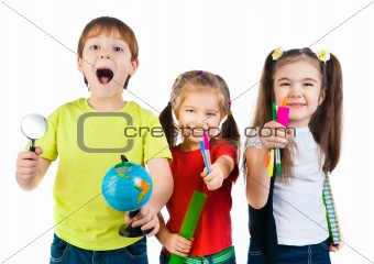 kids with notebook and globe