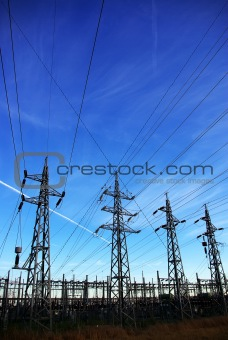 Voltage power lines