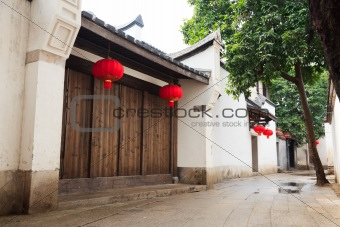 Tranqui Chinese traditional alley.