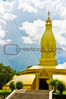 gold temple in Wat nong pah pong and blue sky
