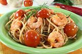 cooked spaghetti with shrimp