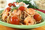 cooked spaghetti with shrimp and dill