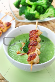 Broccoli soup with skewered chicken