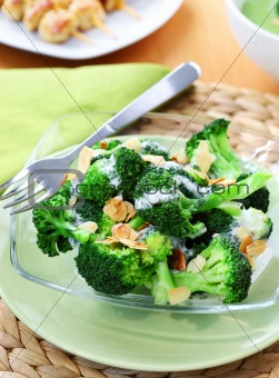 Broccoli salad with yogurt dressing and roasted almond