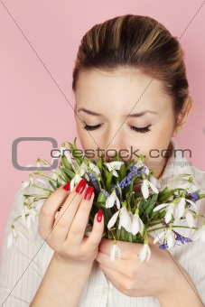 smells flowers