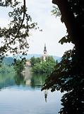 Church on island in lake bled