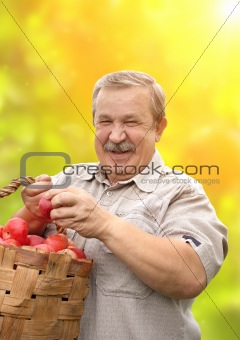 Harvesting a apple