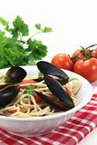 cooked Spaghetti with mussels and parsley
