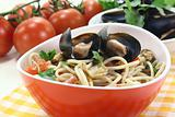 cooked Spaghetti with mussels